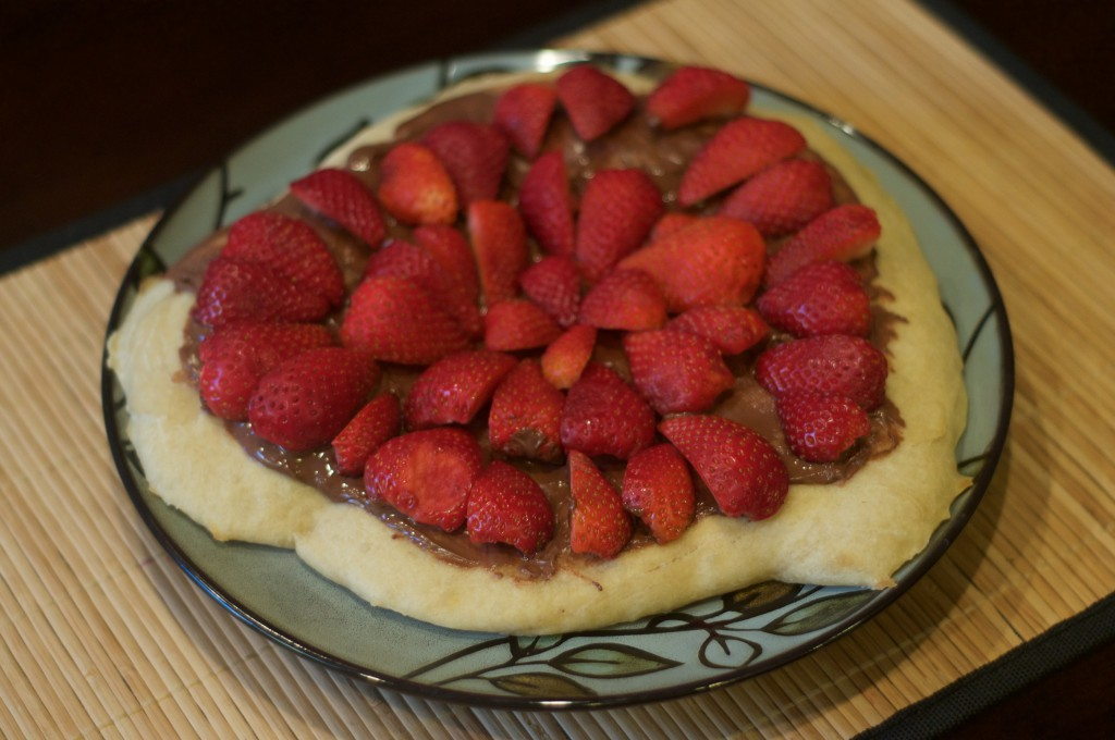 Nutella Strawberry Pizza 3